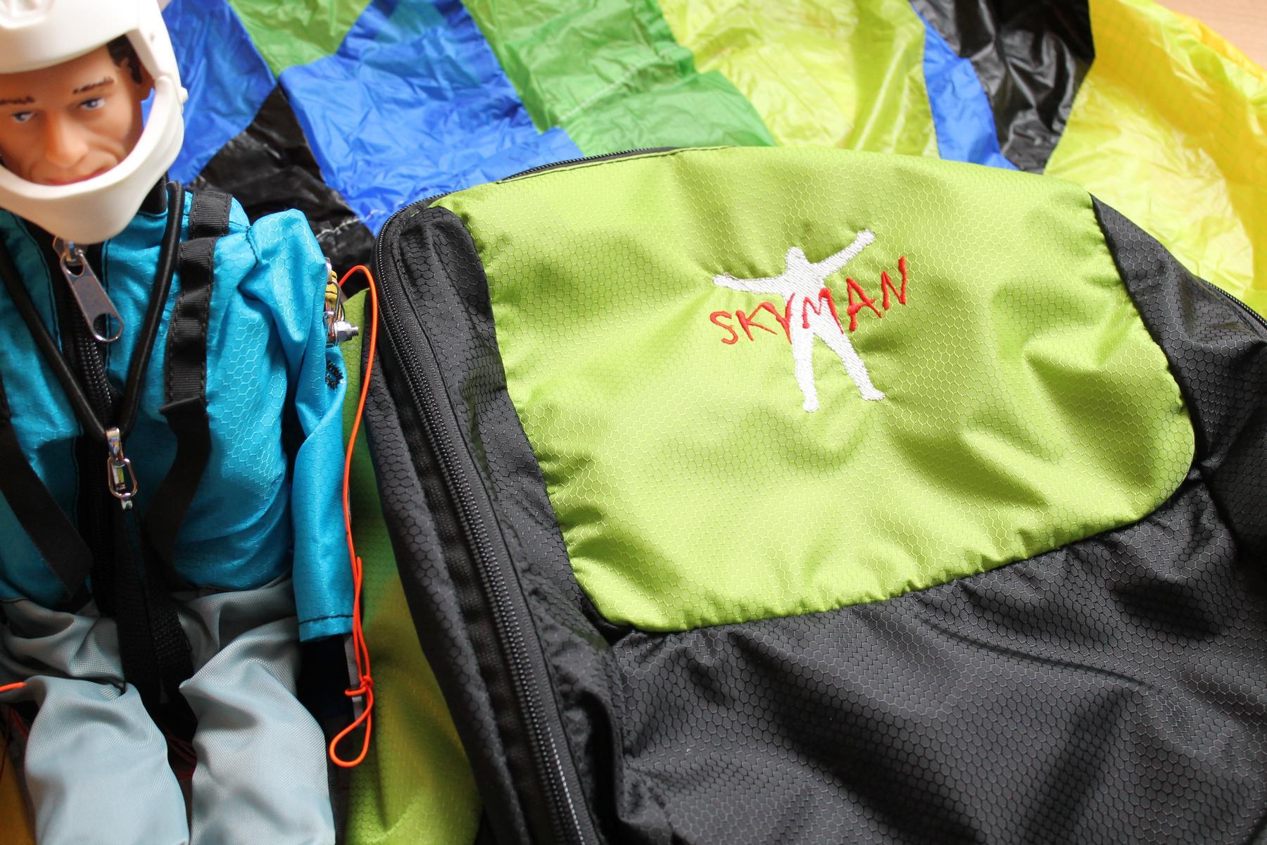 Skyman Daybag – ein Rucksack für RC-Paraglider