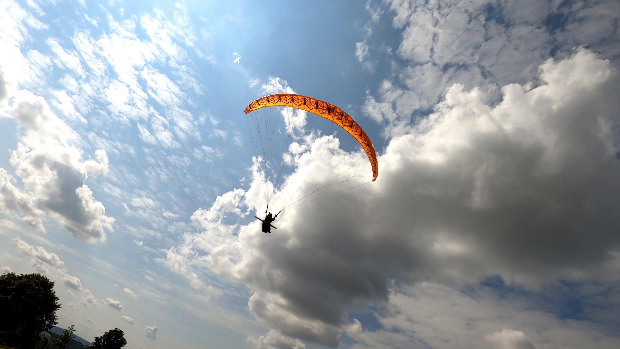 Sir Edmund Race 1.5 mit Peer L – Spezial Klapppropeller von Para Aviation RC